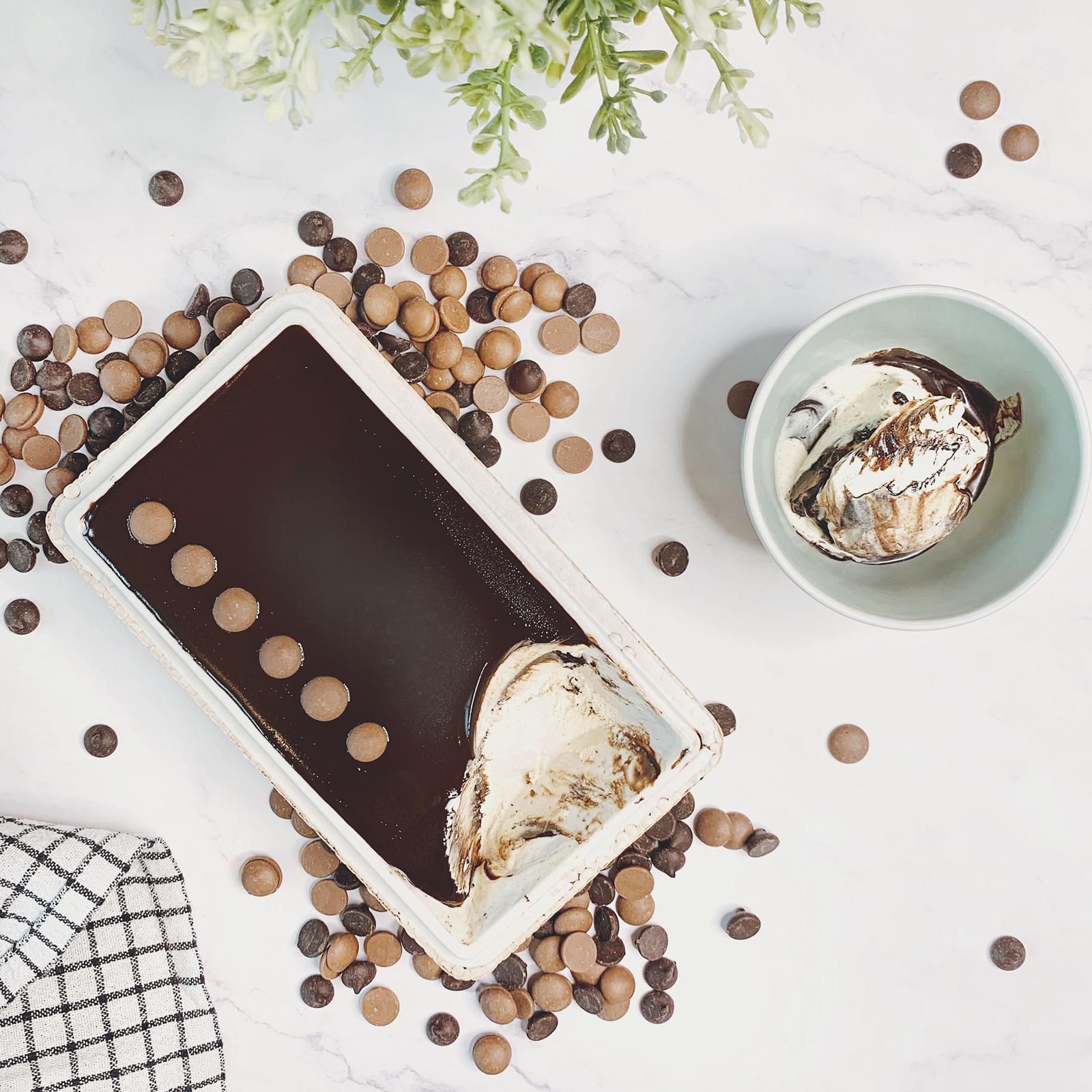 Cremoloso gelato chocolate layer