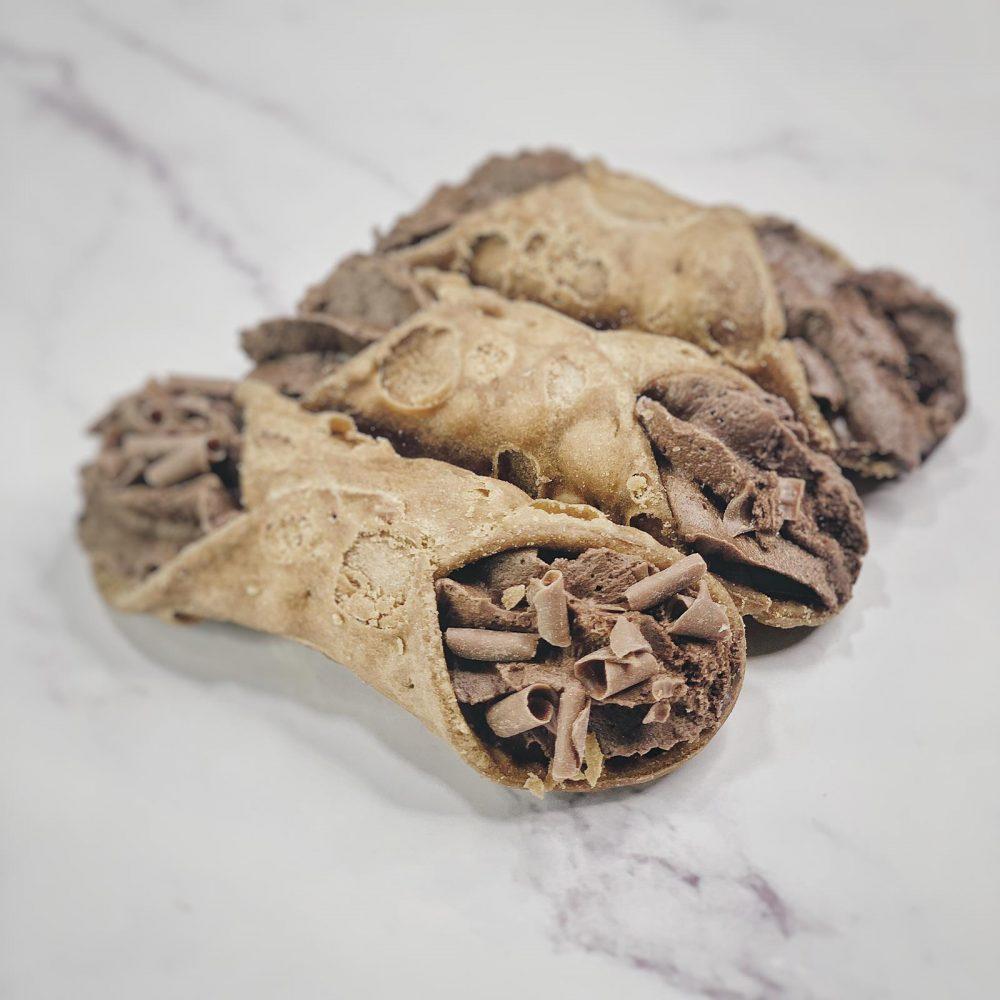 Cremoloso Gelato Sicilian Cannoli filled with chocolate.